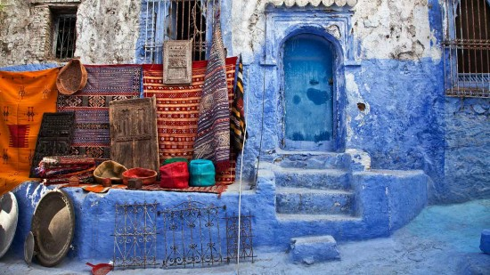 lets-travel-to-morocco-chefchaouen-with-sandra-jordan-featured