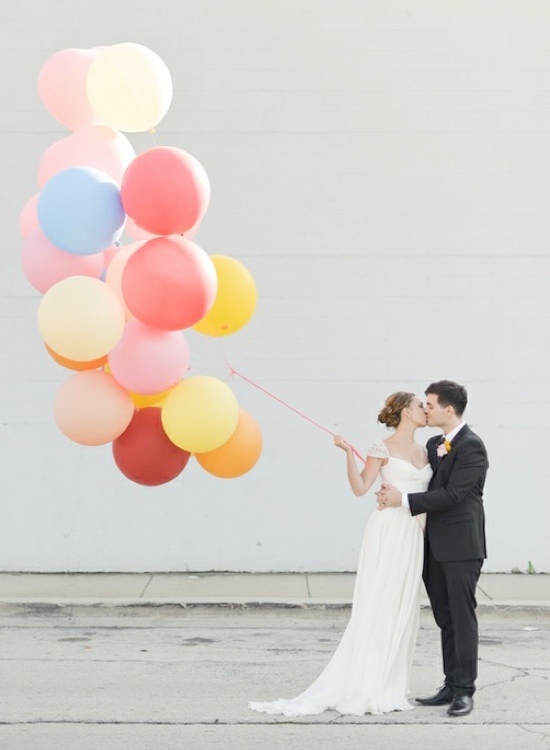 wedding-balloons-bride-and-groom